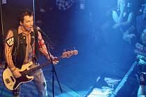 Legenda českého Punku Petr Hošek z kapely Plexis oslavil ve velkém stylu své 50.narozeniny v Lucerna Music Baru.