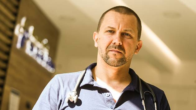 Lékař Miroslav Derevjanik