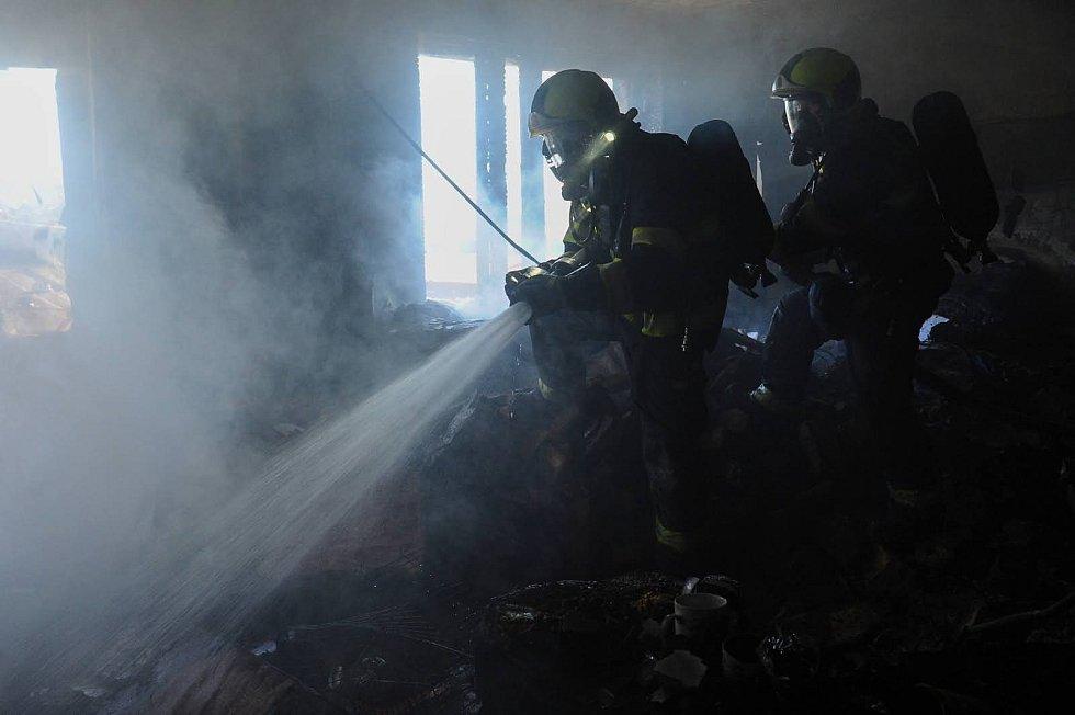 Hašení bytu v Holešovicích 1. 7. 2020