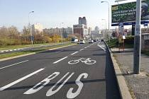 Cyklopruh v Jeremiášově ulici.