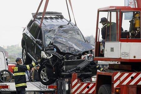 Řidič vozu Volkswagen, se kterým sjel do Vltavy, nehodu bohužel nepřežil.
