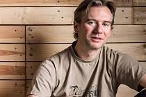 Dobrodruh a autor knihy o levném cestování po světě Petr Novák.