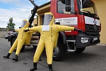 Dějištěm slavnosti k předání techniky pořízené s příspěvkem z evropských fondů v rámci projektu Technika, technologie a prostředky Hasičského záchranného sboru Středočeského kraje pro efektivní zásah se stala základna hasičů v Říčanech.