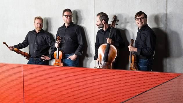 Zemlinského kvarteto si pro vás připravilo na středeční večer první online koncert v rámci koncertní série 4plus.