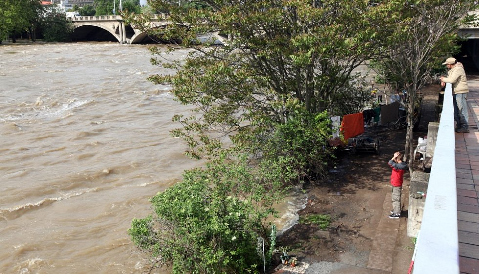 Povodně v Praze v úterý 4. června. Sídlo bezdomovců u Hlávkova mostu.