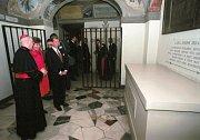 Hrobu kardinála Berana se v roce 1994 poklonil také prezident Václav Havel