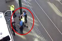 Opilý řidič dodávky dělal problémy v pěší zóně na Václavském náměstí.