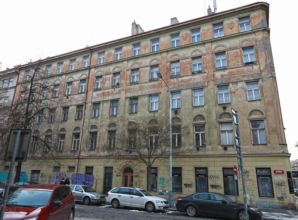 Obytný dům v ulici Vítkova 19 v Praze 8 Karlíně.