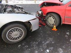 Nehoda na ledovce. Ilustrační foto.