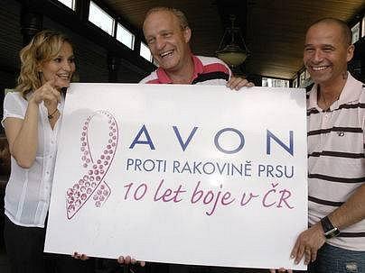 TVÁŘ LETOŠNÍ AKCE. Stala se jí zpěvačka Monika Absolonová, která se pochodu také osobně zúčastní.