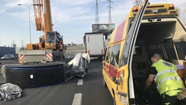 Na Jižní spojce spadla z kamionu cívka.