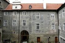 Dvůr Šternberského paláce.
