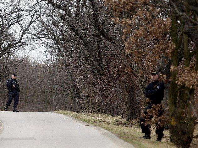 Po nálezu těla zavražděné devítileté školačky se jen zintenzivnily obavy Pražanů z odlehlých a nepřístupných míst, kam policie zavítá jen sporadicky.