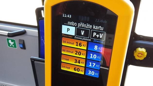 Automat pro bezkontaktní platbu.