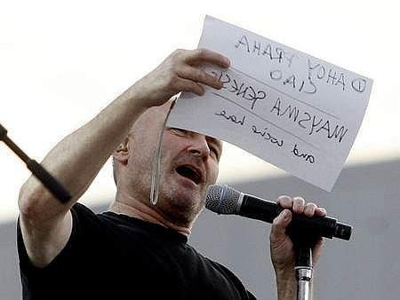 Zpěvák Phil Collins potvrdil svou pověst velkého showmana.