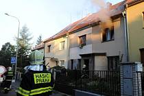 Požár v rodinném domě v Chrastavské ulici na okraji Libně.