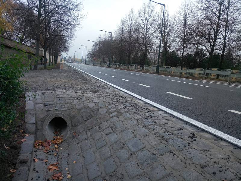 Opravené ulice v Praze. Mariánské hradby.