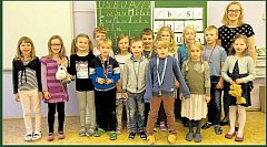 Žáci ze ZŠ v Donovalské ulici v Praze 4 s paní učitelkou Barborou Zelinkovou