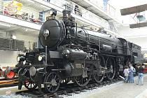 """Lokomotiva řady 375.007 """"Hrboun"""", exponát Národního technického muzea, slaví své stoleté jubileum."""