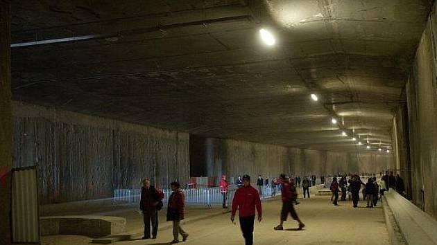 Den otevřených dveří v tunelovém komplexu Blanka na stavbě Prašný most - Špejchar mezi ulicemi Milady Horákové na Letné a Svatovítskou ulicí v Dejvicích.