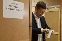Parlamentní volby 2017 na ZŠ Hostivař, kde volil i Tomio Okamura.