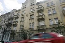 Dům v ulici Jaselská č. 7 v Praze 6, o který se soudí Cyril Svoboda s Domovem svaté rodiny.