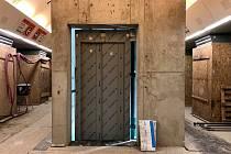 Dopravní podnik hl. m. Prahy zveřejnil, jak postupují práce na výtahu ve stanici Karlovo náměstí.