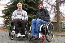 Ředitelka České asociace paraplegiků Alena Jančíková a koordinátor projektu VozejkMap Standa Kubík