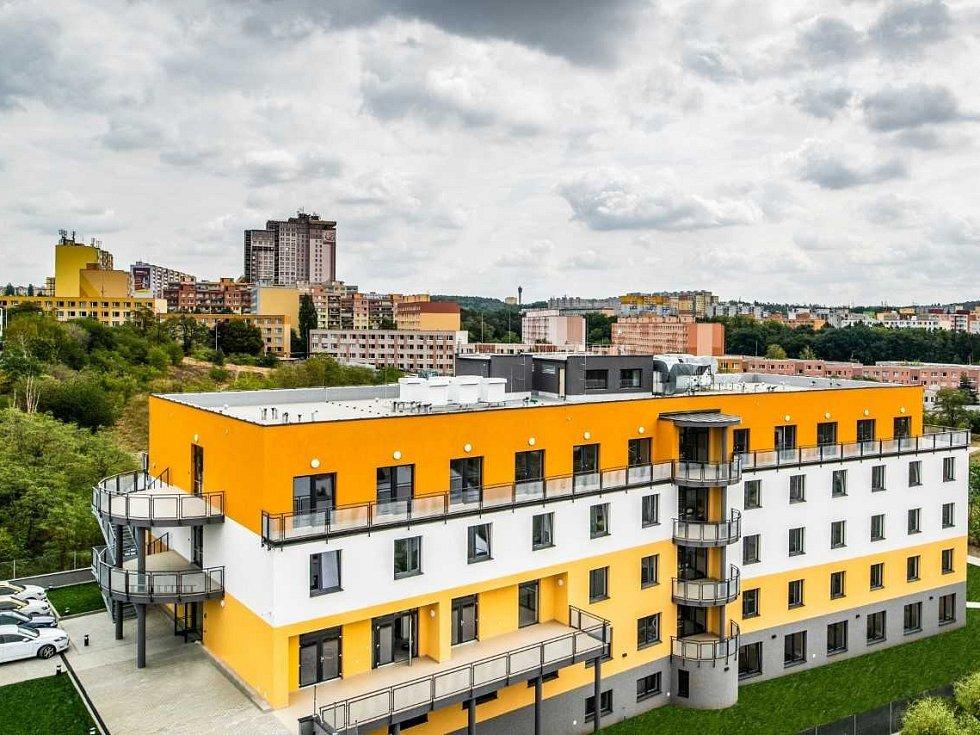 Alzheimer Home patřící do skupiny Penta otevřel v Modřanech moderní centrum se 146 lůžky.