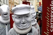 V rámci akce Bohemian carnevale prošel 21. února od Clam-Gallasova paláce průvod masek směrem na Staroměstské náměstí.