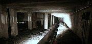 Z komentované prohlídky podzemí bývalého Stalinova pomníku v Praze na Letné.
