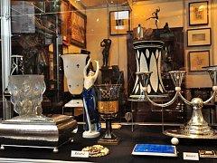 Novoměstská radnice v Praze bude hostit veletrh starožitností Antique už po 37. Tentokrát se zaměří na oslavu ženské krásy.