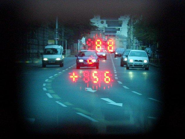 NÁVRAT RADARŮ. Od záři přibude míst, kde budou muset řidiči sundat nohu z plynu./Ilustrační foto