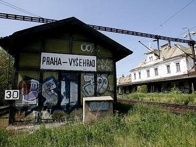 Chátrající nádraží by zasloužilo rozsáhlou rekonstrukci.