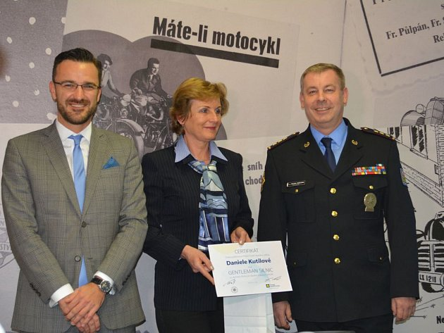 Paní Kutilová se stala po havárii autobusu první laureátkou titulu Gentleman silnic