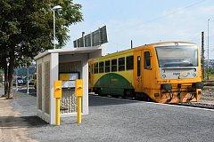 Po dva roky má fungovat provizorní zastávka vlaků, která byla v úterý zprovozněna v blízkosti stanice Praha-Bubny – nedaleko stanice metra Vltavská.