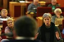 BLÍZKO DOHODĚ. Podle radního Janečka souhlasí s přechodem nájemních smluv z doby neurčité na určitou většina seniorů.
