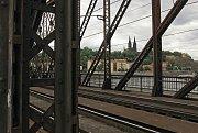 Železniční most, Vyšehrad a Rašínovo nábřeží.