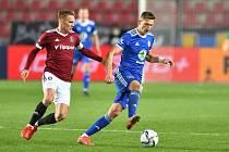 Kapitán Sparty Bořek Dočkal (vlevo) měl být podle komise rozhodčích v utkání s Mladou Boleslaví vyloučen.