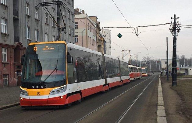 Nález podezřelého předmětu v ul. na Žertvách.