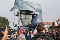 Demonstrace proti zakrytí pomníku maršála Koněva 2.září 2019.