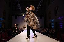 """Netradiční módní show byla vrcholem slavnostního galavečera """"Sebevědomí pro každý den""""."""