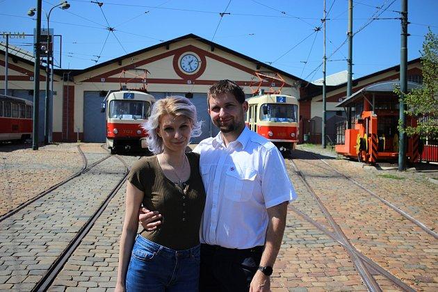 Karolína Hubková se provdala, jak jinak, za tramvajáka Josefa.