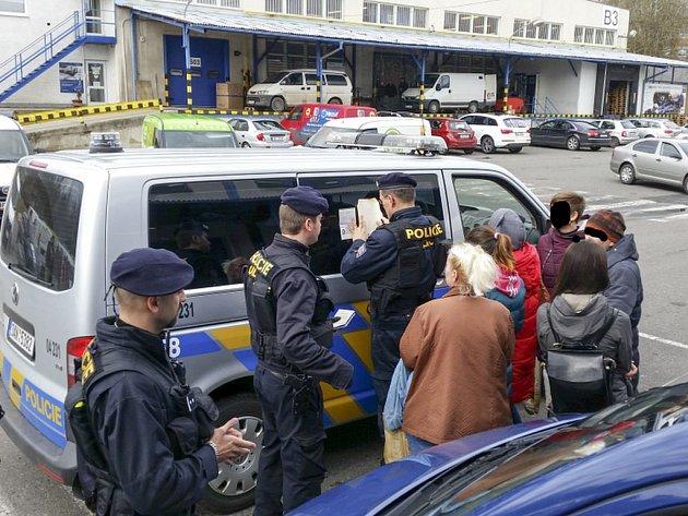 Zásah cizinecké policie.