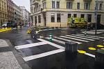 Lidé si stěžují na špatnou průjezdnost vozů Intengrovaného záchranného systému u ulice Veletržní v Praze 7.