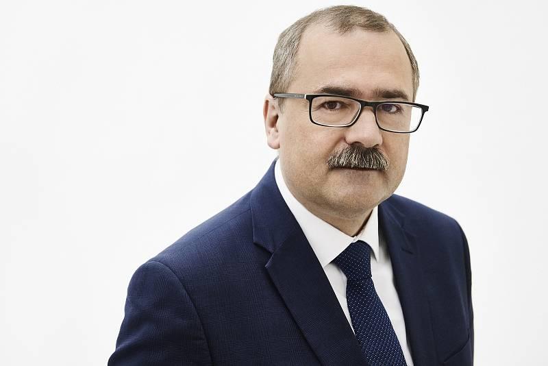 PhDr. Pavel Žáček Ph.D., 52 let, vysokoškolský pedagog, zakladatel a první ředitel Ústavu pro studium totalitních režimů, Spolu.