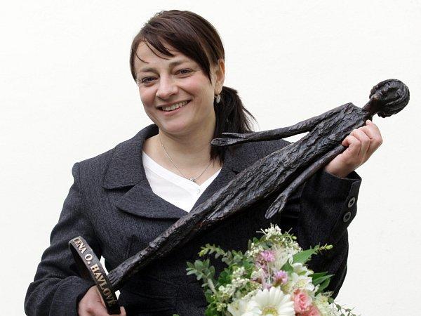 Alena Jančíková, ředitelka České asociace paraplegiků, získala Cenu Olgy Havlové vroce 2013.