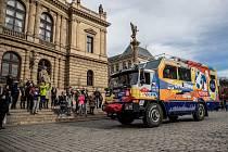 Slavnostní odjezd cestovatelské expedice Tatra kolem světa 2 probíhal 22. února 2020 od pražského Rudolfina.