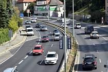 Další soustava tunelů s pracovním názvem Blanka 2 by odhadem stála 40 miliard korun a její výstavba by trvala asi pět let. Město ale podle mnohých expertů i politiků potřebuje levnější, méně náročné a hlavně mnohem rychlejší řešení.