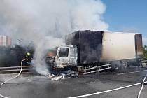 Požár kamionu na Jižní spojce.